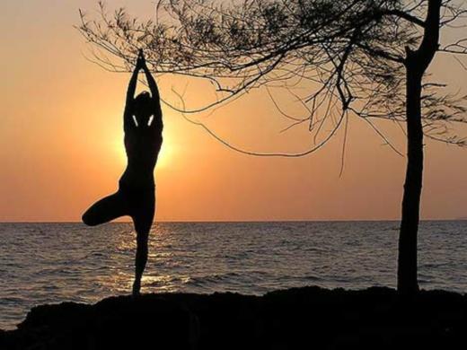 Практика йоги для правильного похудения