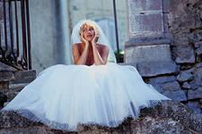 Наряд на свадьбу – под прицелом множества глаз