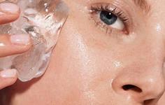 Использование льда для поднятия тонуса кожи лица и избавления от морщин