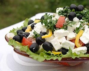 Деревенский критский салат