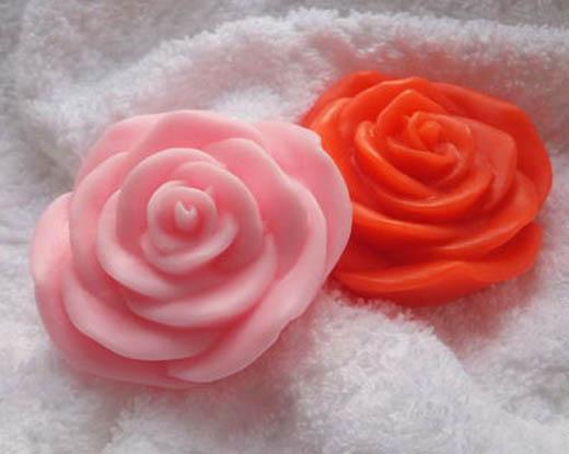 Розовое мыло ручной работы