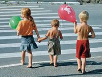 Как научить ребенка правильно вести себя в общественном месте